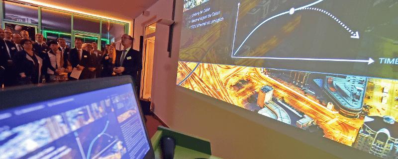 Andreas Hausmann (HPE) während seiner Präsentation des Forschungsprojektes The Machine