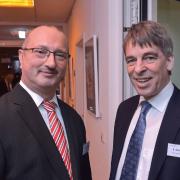 Vorstand H.-U. Schramm und Oberbürgermeister Dr. A. Schröter