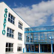 GODYO Gebäudeerweiterung 2002